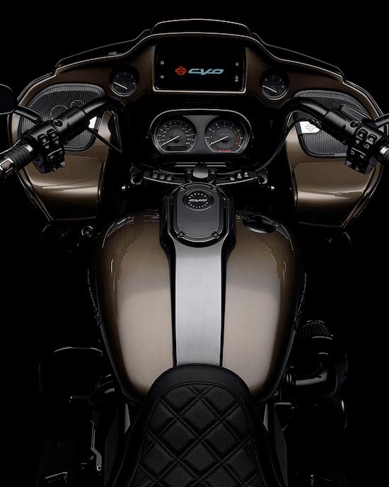 SISTEMA INFOTAINMENT BOOM!™ GTSUna experiencia de interfaz avanzada con aspecto, estilo y funciones contemporáneos, una durabilidad excepcional y características diseñadas especialmente para el motociclismo. Cada elemento está optimizado para mejorar la interacción del motociclista con su vehículo y la conectividad con el mundo.