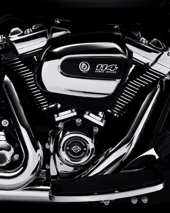 MOTOR MILWAUKEE-EIGHT™ 114La mayor cilindrada en los modelos estándar H-D™ Touring. 114 cc de potencia de paso para perseguir el horizonte.