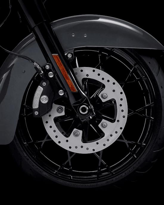 RINES PRODIGY NEGRO BRILLANTERines de aluminio, delantero de 19 pulgadas y trasero de 18 pulgadas, negros y brillantes, para conducir con estilo y actitud.